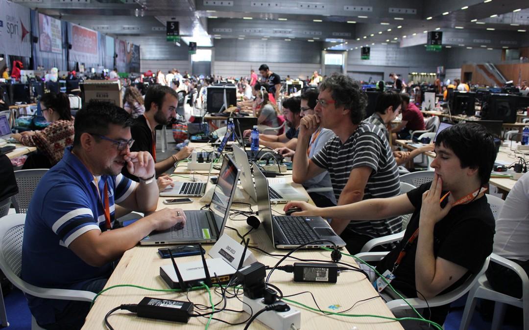 Hackathon'15:  Datu  kazetaritza,  teknologia  eta  networking  36  ordu  Euskal  Encounterran